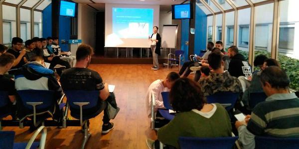 Conferència sobre sexualitat per a adolescents