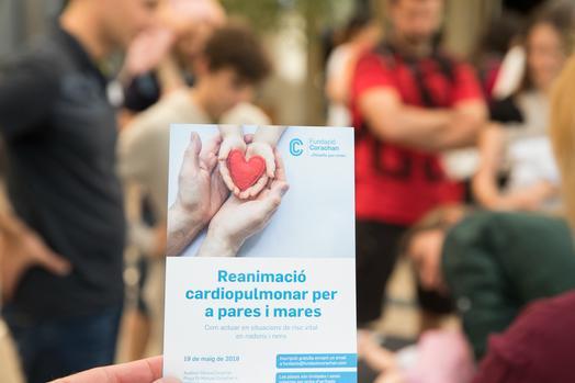 Taller de reanimación cardiopulmonar para padres, madres y cuidadores