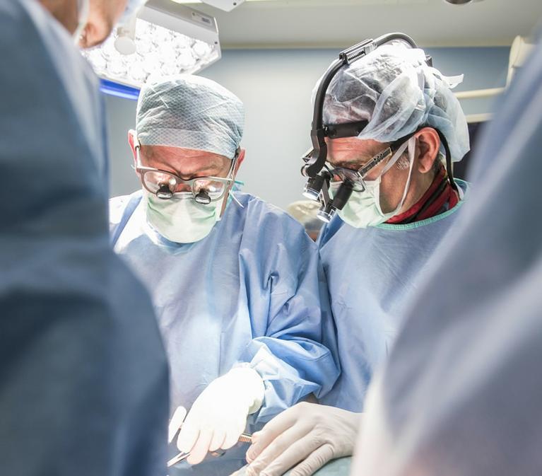 Dr. Rodríguez Olaverri operación escoliosis