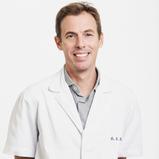 Dr. Damian Dexeus